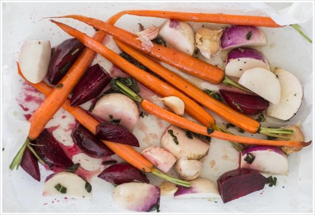 ירקות שורש בדבש, שמן זית ומרווה
